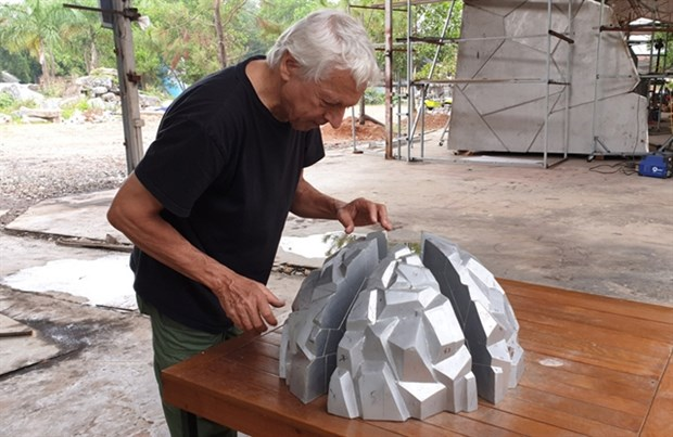 French sculptor realises dream in Vietnam hinh anh 2
