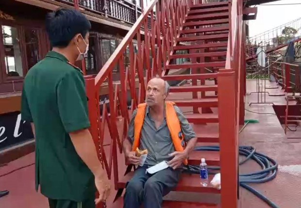 US citizen in distress on Saigon River rescued hinh anh 1