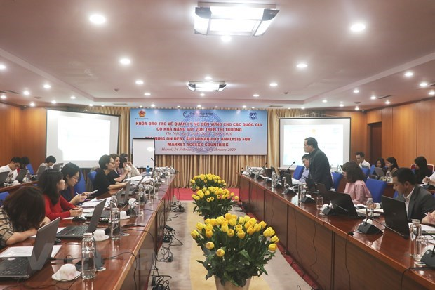 Int'l experts support sustainable debt management training for Vietnam  hinh anh 1