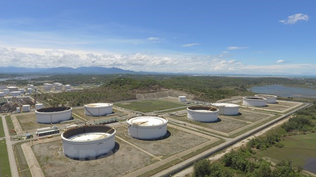 Dung Quat Oil Refinery processes 53 percent of crude oil hinh anh 1