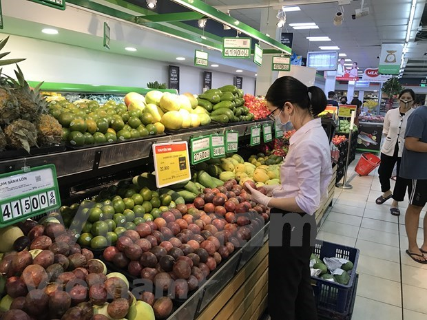 MoIT assures sufficient supplies of essential goods for domestic market hinh anh 1