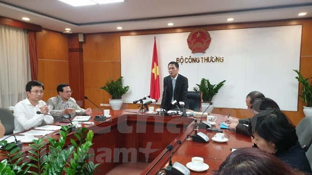 Ministry of Industry and Trade ready to respond to COVID-19 hinh anh 2
