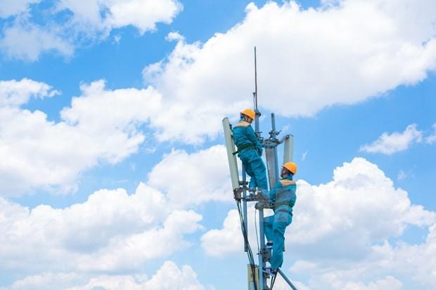 MIC orders telecom operators to increase Internet bandwidth amid COVID-19 hinh anh 1