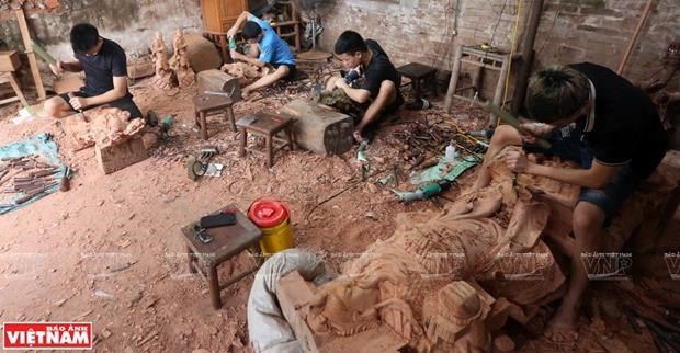 Van Ha handicrafts – an ingenious combination of wood and craftsmanship hinh anh 1