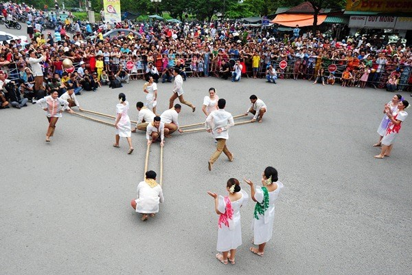 2020 Hue Festival honours traditional and contemporary cultural values hinh anh 2