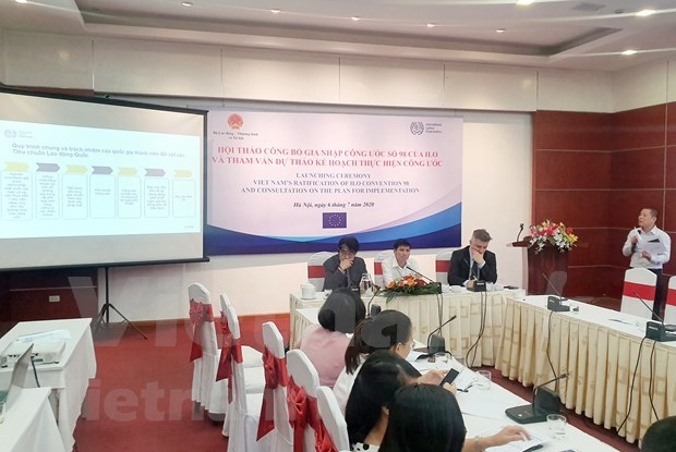 ILO convention hoped to facilitate genuine collective bargaining at work in Vietnam hinh anh 1
