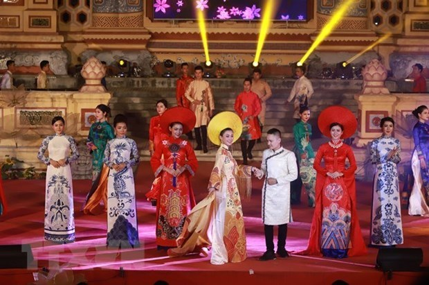 Ao Dai – a cultural symbol associated with Vietnamese women hinh anh 1