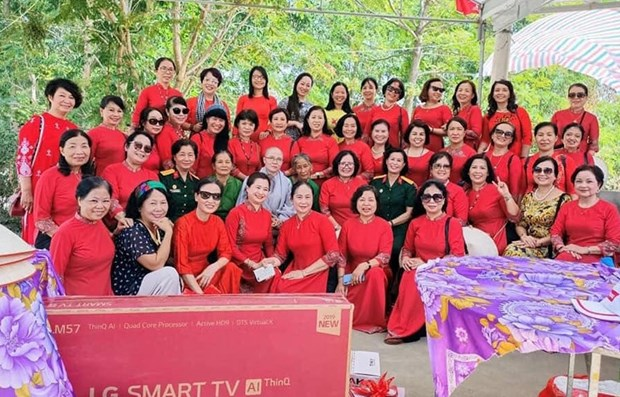 Sharing hope with former female volunteer youths hinh anh 1