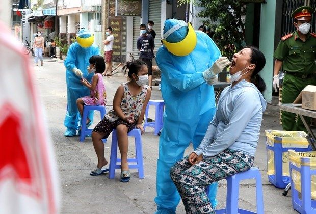 COVID-19: Experts nationwide give strength to Da Nang in fighting outbreak hinh anh 2