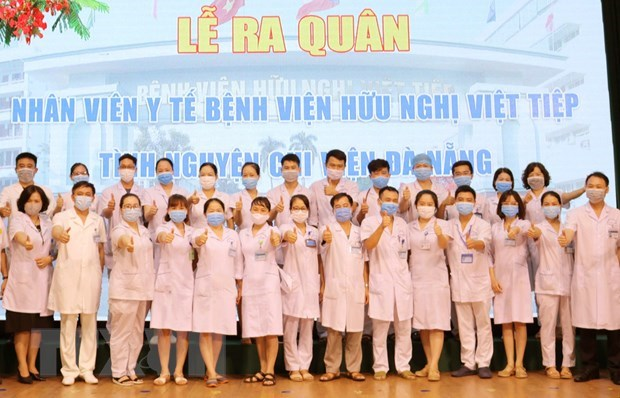 "Efforts needed to protect ""soldiers in white coats"" in second wave of COVID-19 hinh anh 2"
