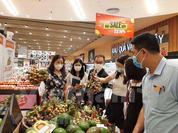 Hanoi's enterprises increase goods stockpile amid COVID-19 outbreaks hinh anh 1