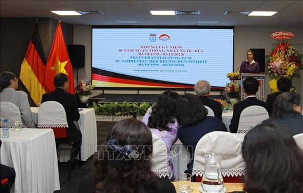 HCM City gathering marks 30th anniversary of German Reunification hinh anh 1