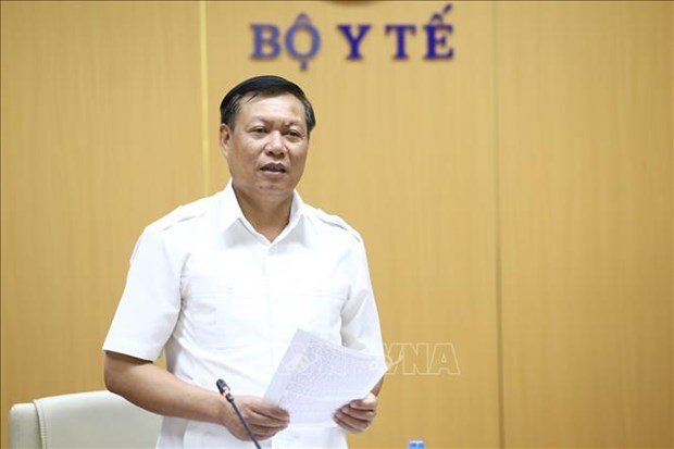 WHO hands over guidelines on integrated care for elderly to Vietnam hinh anh 1