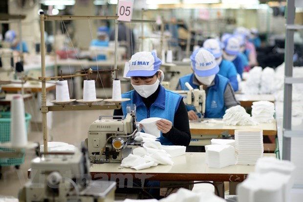 Minister suggests expanding beneficiaries of 62 trillion VND aid package hinh anh 1