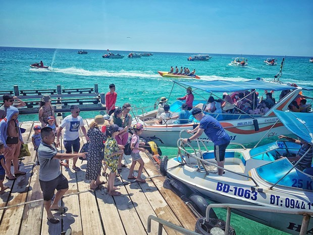 Second phase of domestic tourism stimulus prevents economic disruption hinh anh 3