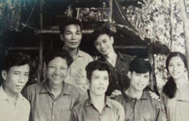 Vietnam's special educational front during anti-America resistance war hinh anh 4