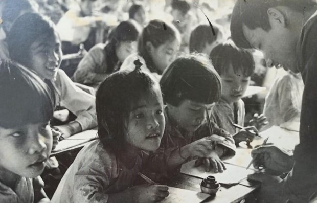 Vietnam's special educational front during anti-America resistance war hinh anh 1