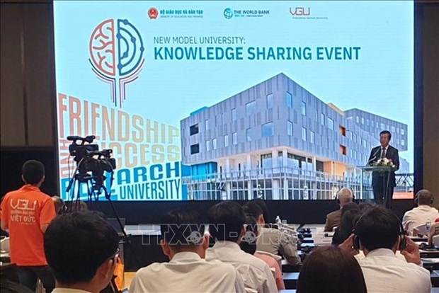 Workshop talks experience in building new university model hinh anh 1