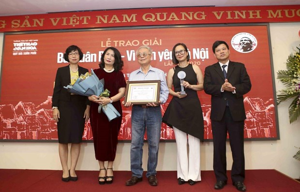 Bui Xuan Phai – For Love of Hanoi Awards honours music composer Phu Quang hinh anh 1