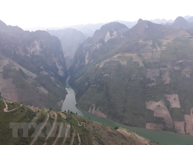 Majestic, poetic Ha Giang attractive to visitors hinh anh 1