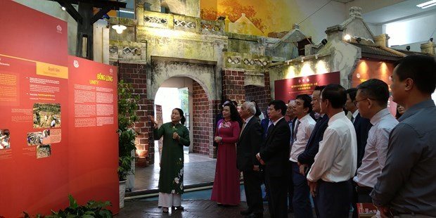 Vietnamese, foreign specialists offer ideas on Royal Citadel value promotion hinh anh 2