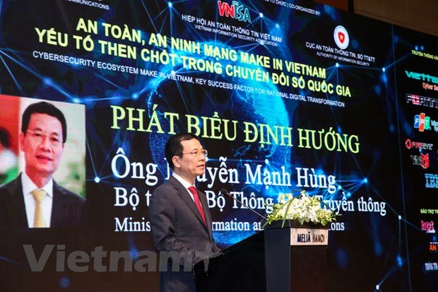 Vietnam must assert national sovereignty, prosperity on cyberspace: Minister hinh anh 2