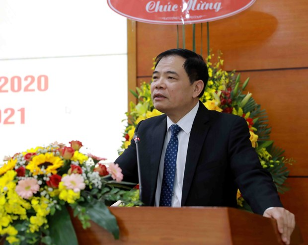 Minister urges quick building of project on natural forest protection hinh anh 1