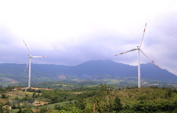 Tens of wind power projects to be operational in Quang Tri hinh anh 1