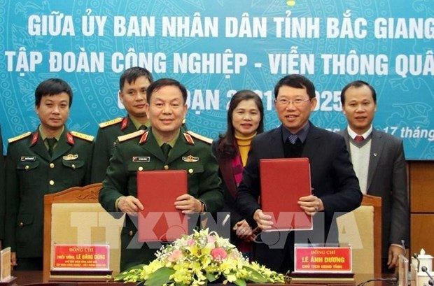 Bac Giang province, Viettel cooperate in e-government, smart urban building hinh anh 1