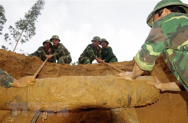Quang Tri aims to become first province to be safe from UXOs hinh anh 2