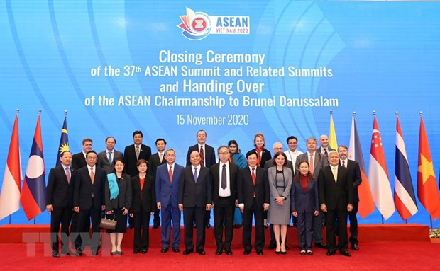 Minister elaborates on priorities for Vietnam's diplomatic sector hinh anh 3