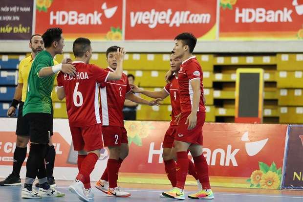 Vietnam moves closer to Futsal World Cup hinh anh 1