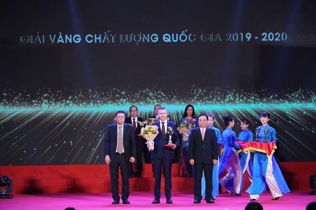 Nestle Vietnam shines with Golden Prize for Quality in seven criteria hinh anh 1