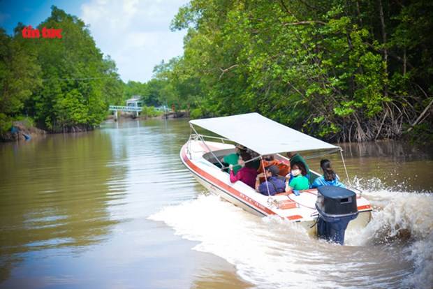"""Ca Mau tourism works to adapt to """"new normal"""" situation hinh anh 2"""