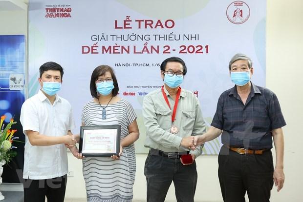 """Winners of 2021 """"De Men"""" Award for Children honoured hinh anh 1"""