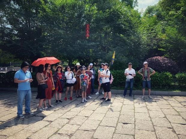 Tourism workforce struggle with COVID-19 'tsunami' hinh anh 2