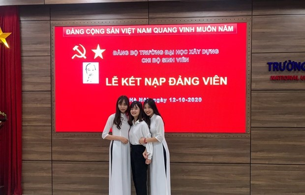 Party development in universities: post-graduation problems hinh anh 3