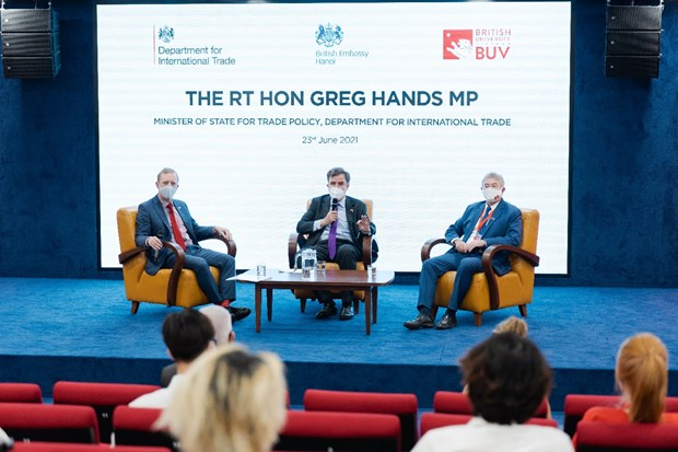 UK Minister of State for Trade Policy visit British University Vietnam hinh anh 4
