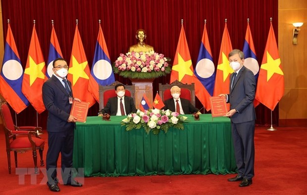 Vietnam, Laos enjoy growing trade ties hinh anh 1