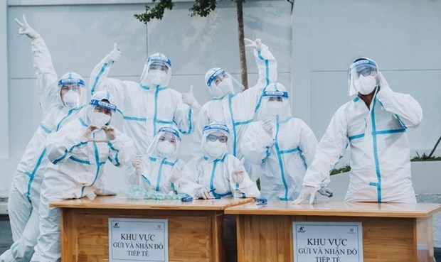 Celebs spread cheerful messages in pandemic hotspot of HCM City hinh anh 1
