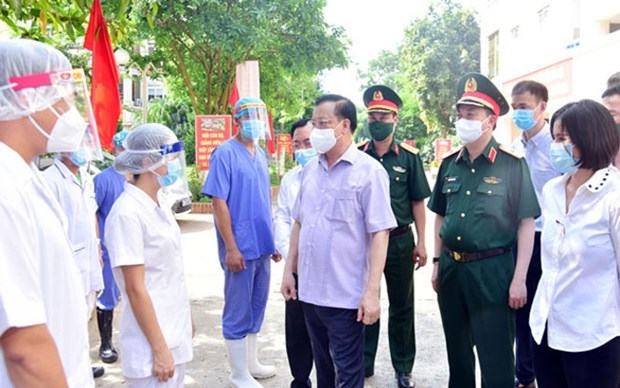 Hanoi leader orders maintaining collective strength to combat COVID-19 hinh anh 1