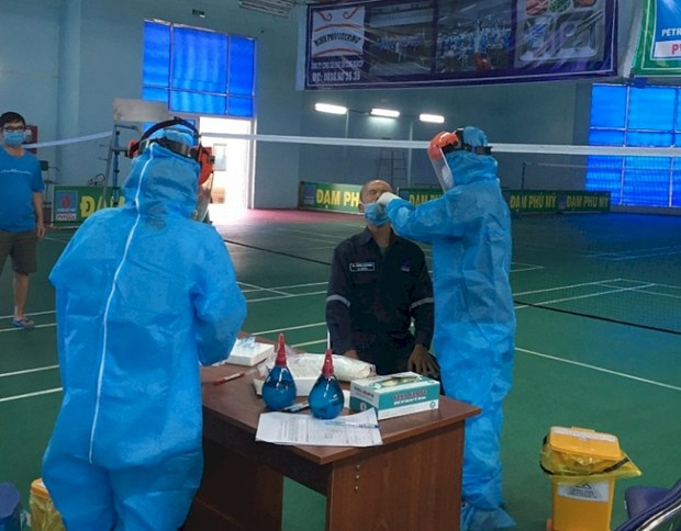 PetroVietnam: vaccination made top priority hinh anh 4