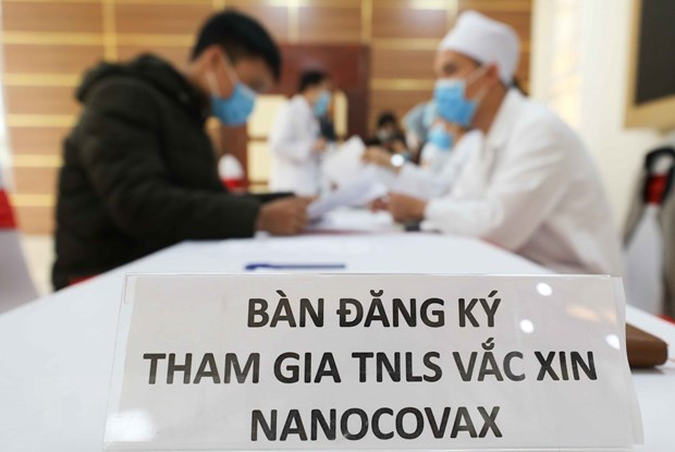 Vietnam strives for at least one successful homegrown COVID-19 vaccine in 2021 hinh anh 1