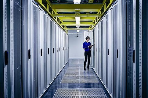 Vietnam enters top 10 emerging markets for global data centres hinh anh 1