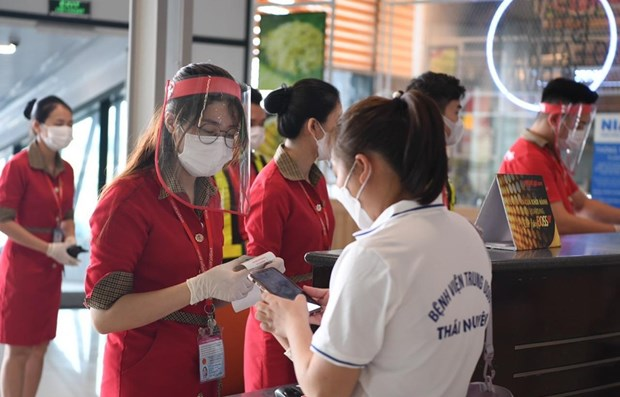 Aviation sector struggling with personnel issues amid COVID-19 hinh anh 1