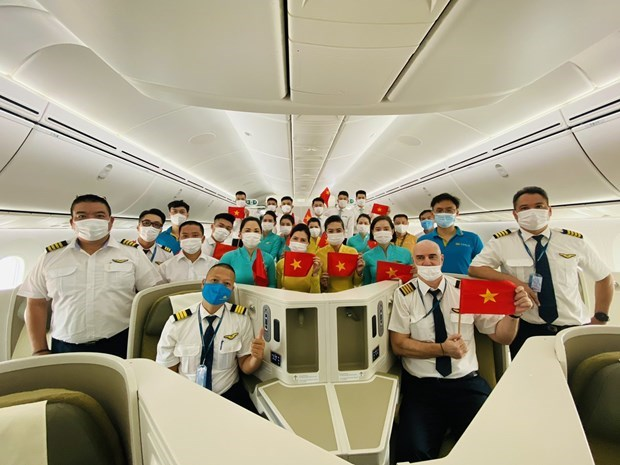 Aviation sector struggling with personnel issues amid COVID-19 hinh anh 2