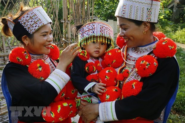 Unique style of Red Dao traditional outfits hinh anh 1