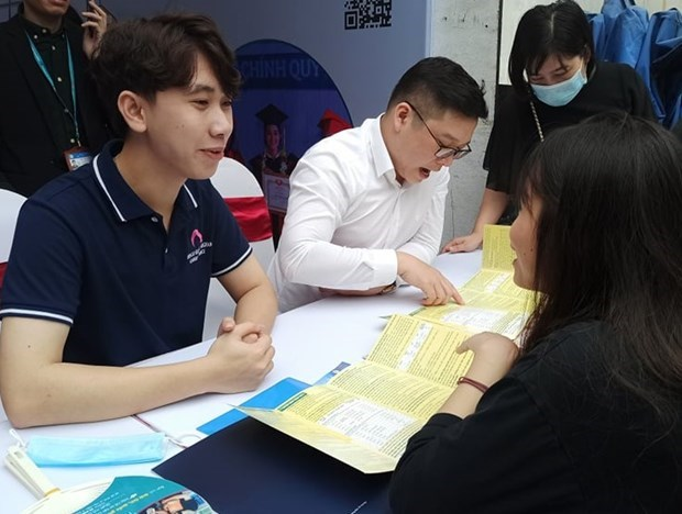 Universities' foreign language requirements: a boost to foreign language teaching, learning  hinh anh 2
