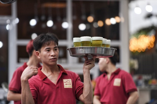 Hanoi among best cities in Vietnam for beer lovers hinh anh 1