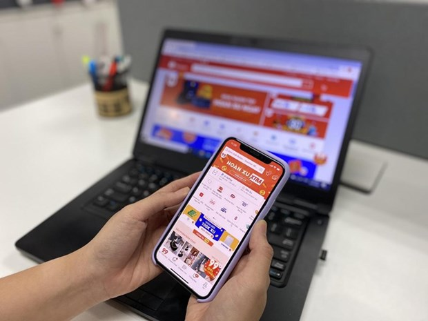 Vietnamese consumers' demand for shopping groceries online soars amid COVID-19 hinh anh 2